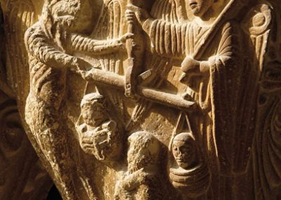 Judici d'una ànima. Capitell ubicat a la galeria nord del claustre del monestir de l'Estany