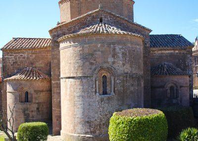 Absis i absidioles de l'església de Santa Maria de l'estany