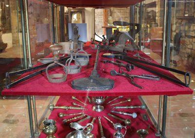 Objectes litúrgics de l'exposició permanent del monestir de l'Estany