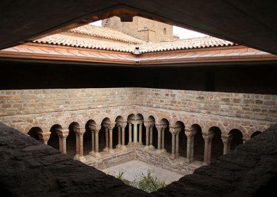 Galeria nord i est del monestir de l'Estany